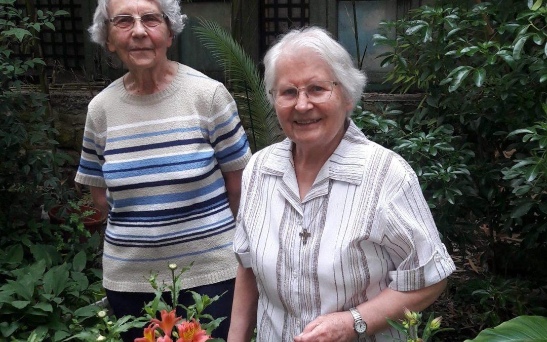 Au-revoir des sœurs Andrée et Solange