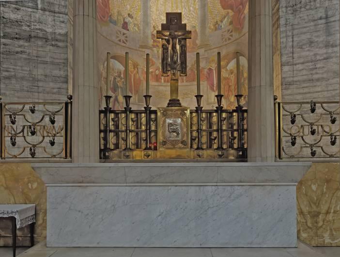 Le retable du maître-autel